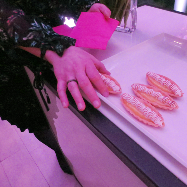 sampling-the-lemon-meringue-tarts