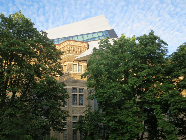 royal-ontario-museum-as-seen-from-outdoor-terrace-at-koerner-hall