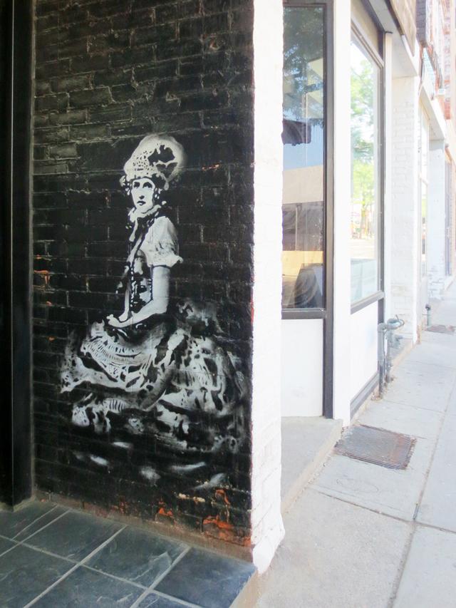 stencil-street-art-ossington-avenue-toronto