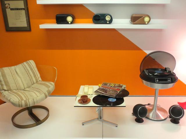 retro-furniture-at-toronto-design-exchange-museum