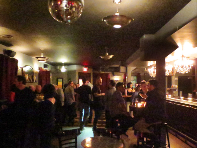 downstairs-room-at-the-monarch-tavern-toronto