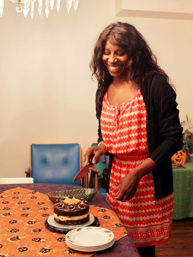 l-cutting-cake