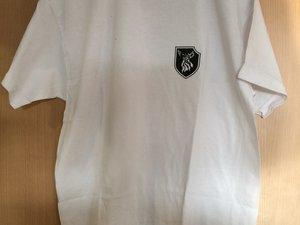 T-shirt blanc (devant/derrière). Tailles : de S à XL. Pour avoir l'image en grand, cliquez dessus