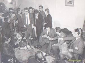 Michel Rocard dans son QG de campagne à Louveciennes en 1969