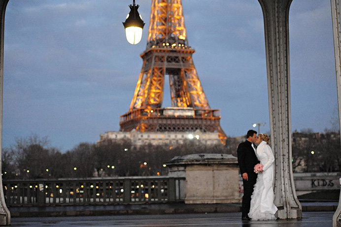 Love Gracefully Ceremonies Eiffel Tower