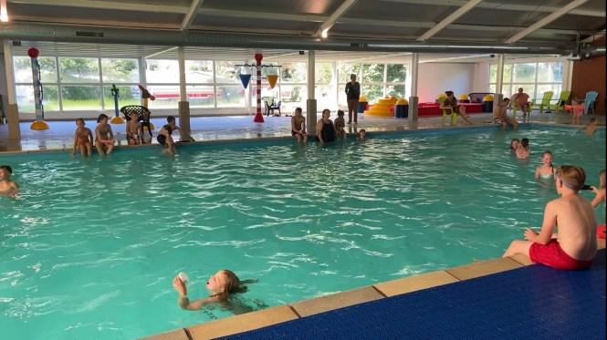 Binnenzwembad Camping de Rammelbeek www.love2try.nl
