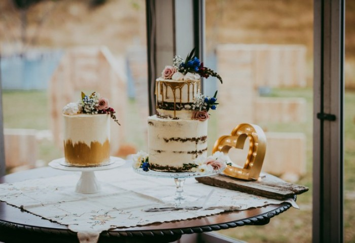 Why A Simple Wedding Cake Design Is The Way To Go