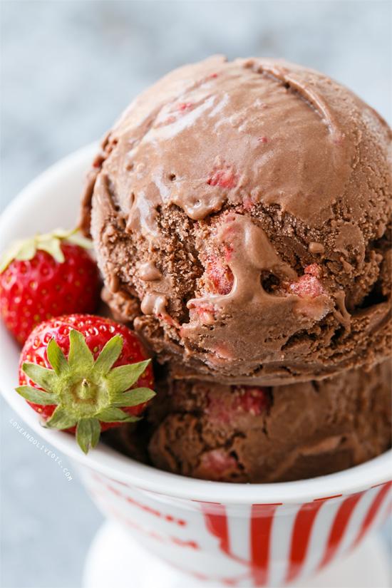 Dark Chocolate Strawberry Ice Cream from @loveandoliveoil