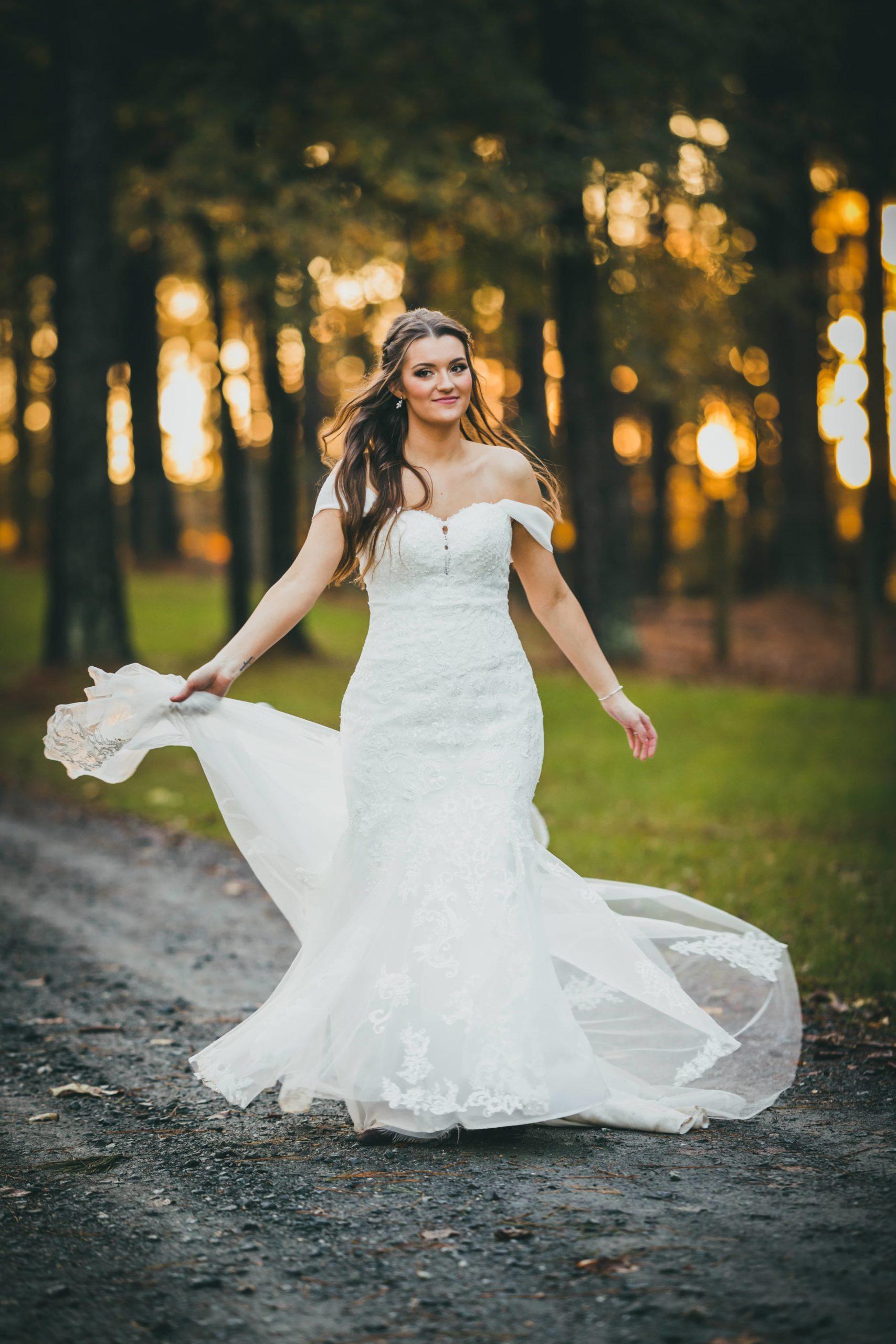 Barn-at-Harper-Pines-Wedding-Miriam-Brett-lsc229