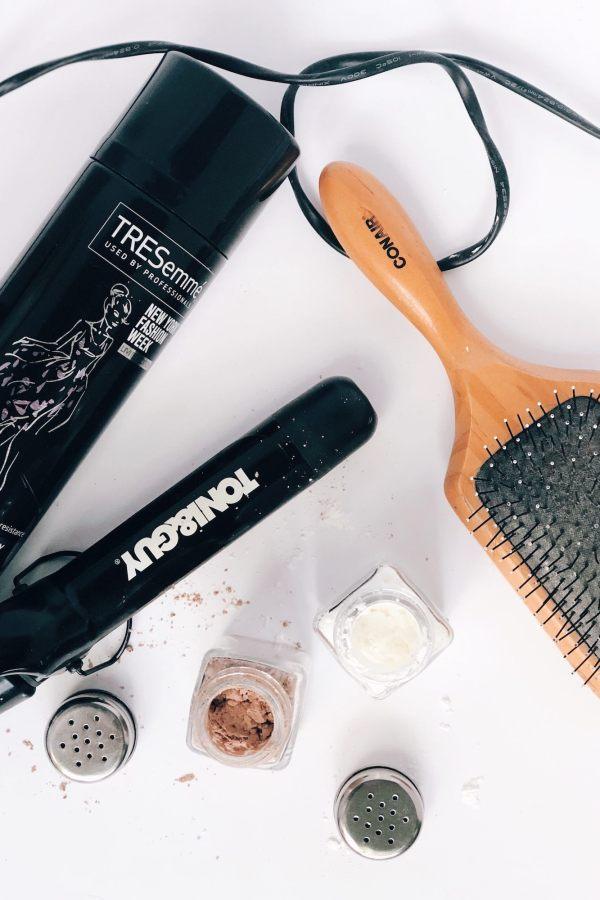 DIY Dry Shampoo Featured Image