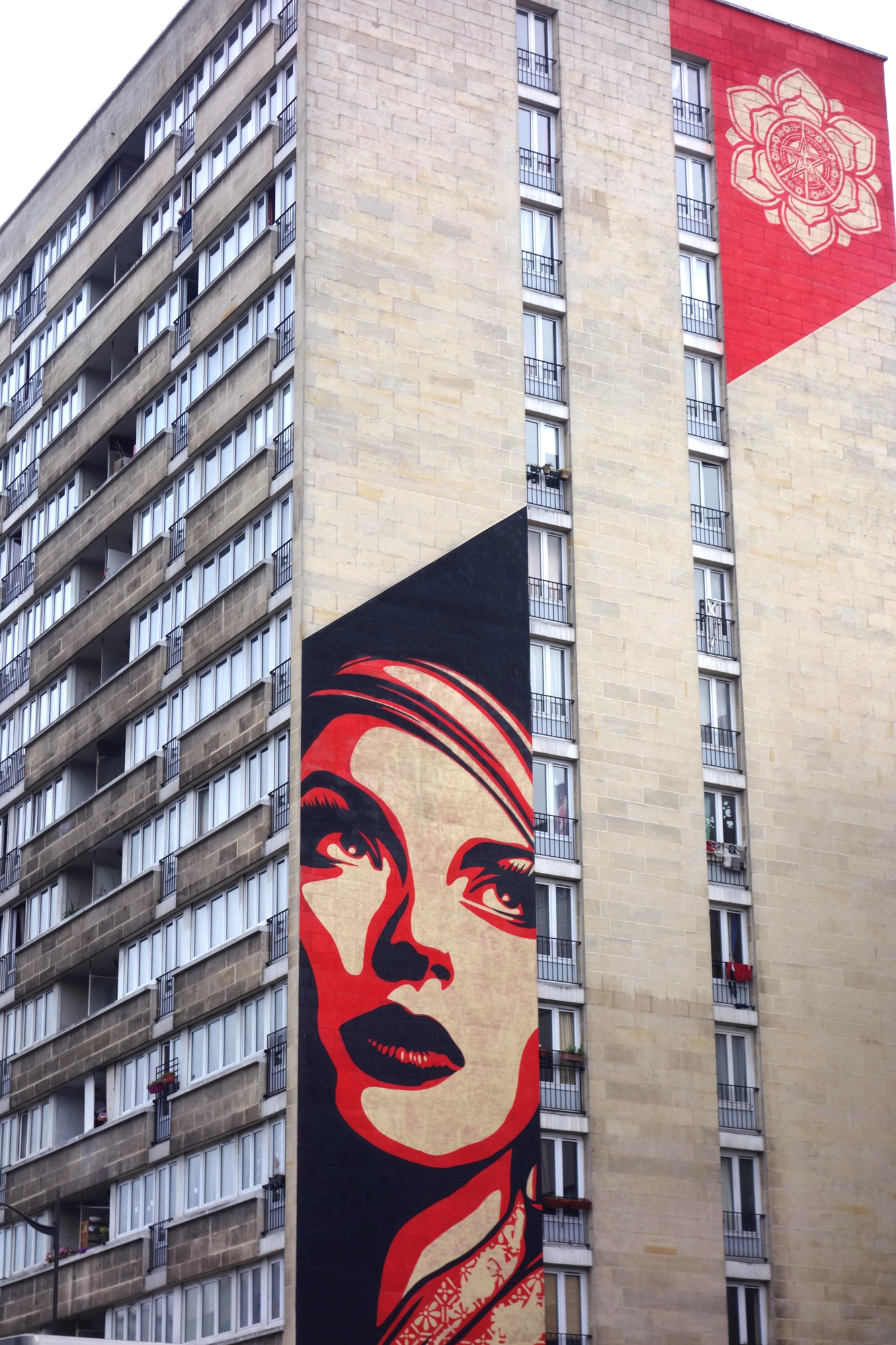 Shepard Fairey (Obey) - Rise above rebel
