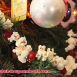 Holiday Garland with Jollytime Popcorn Review