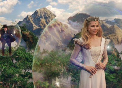 OZ THE GREAT & POWERFUL is a must see