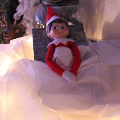 Elf on the Shelf Ideas: Tissue Box Bed