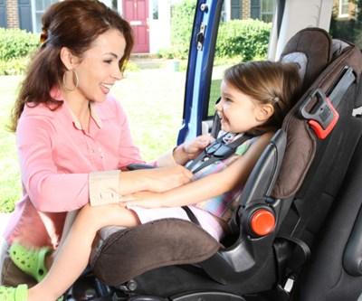 What is the new 65 lb. Latch Rule? {View these tips from Dorel Juvenile Group's Consumer Safety Expert Julie Vallese}