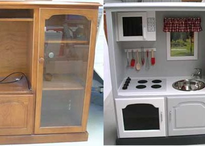 10 {Amazing} DIY Kids Play Kitchen Ideas/Projects