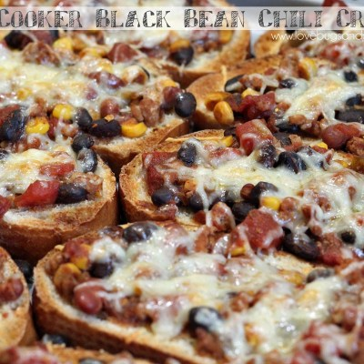 Slow Cooker Black Bean Chili Crostini