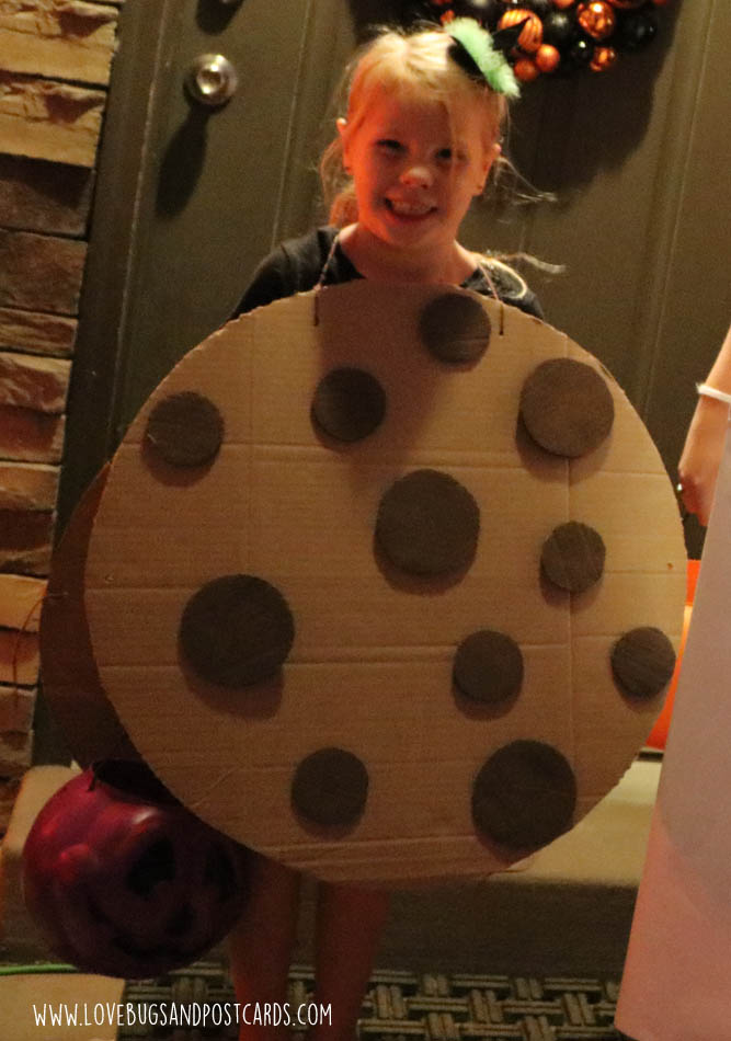 DIY Milk and Cookies costume made with boxes
