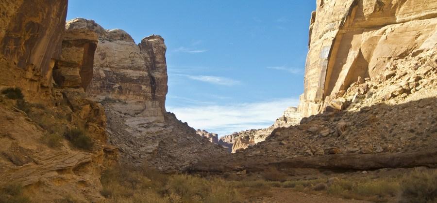Petroglyphs around Black Dragon Canyon