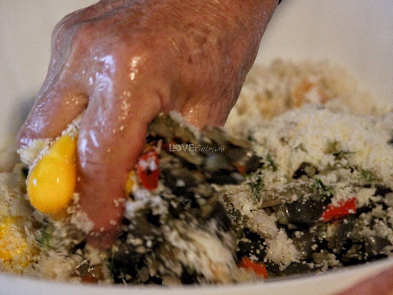 polpette-fritte-melanzane-calabrese-calabria-cetraro-pitticelli-milangiani (26)