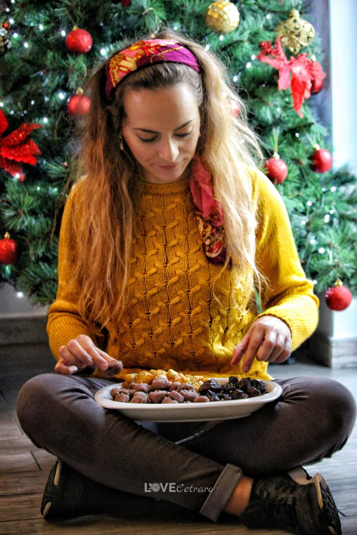 Turdìlli o Crùstuli o Cannarìculi, dolci natalizi della Calabria