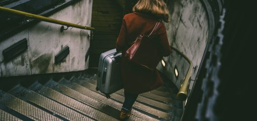 Tips For Dealing With Your Things When Living Abroad