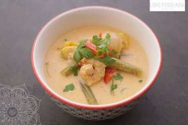 Red Thai Curry with Salmon and Prawns