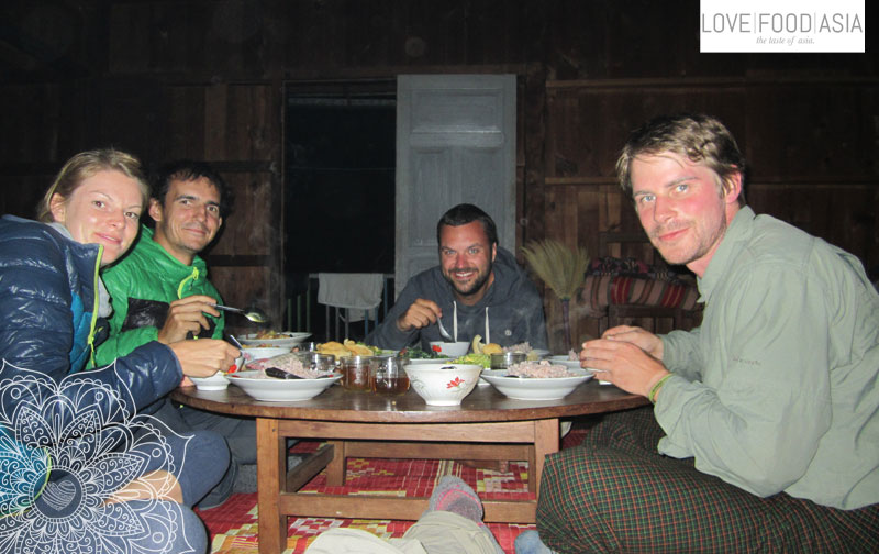 Das erste Abendessen in der Hütte