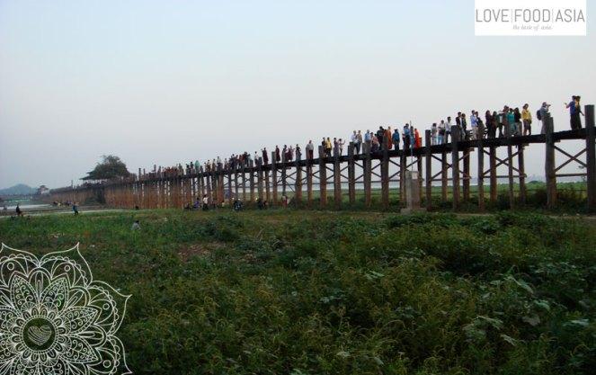 Die berühmte Holzbrücke in Amarapura