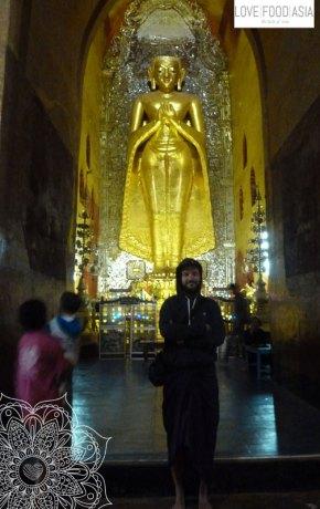 Big statue in Bagan