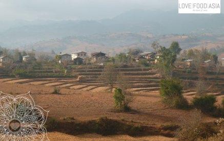 Kleine Dörfer auf dem Weg