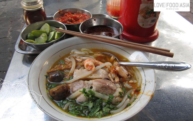 Leckere Suppe in Saigon