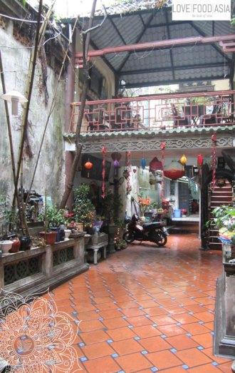 Der Innenhof vom Café Phố Cổ