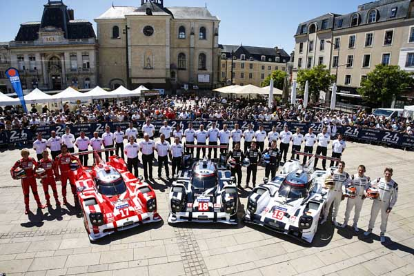 Porsche factory teams LMP1 Porsche 919 Hybrids