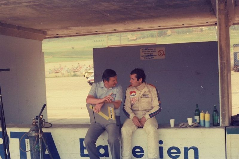 Norbert Singer talking with Jacky Ickx
