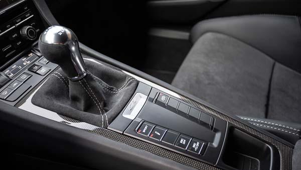 Cayman GT4 Details