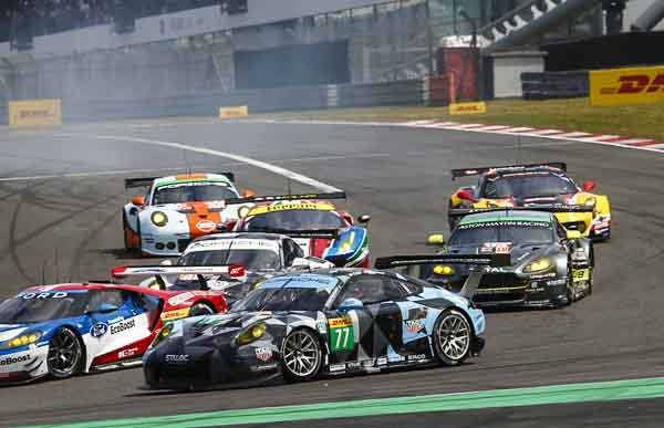 Porsche 911 RSR (77), Dempsey Proton Racing : Richard Lietz, Michael Christensen
