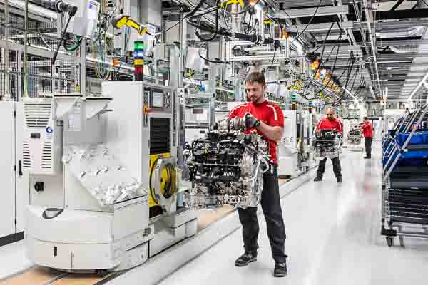 Porsche opens new plant for eight-cylinder engines