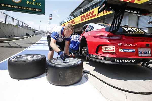 effrey Schmidt (CH) Porsche Mobil 1 Supercup Spielberg 2016