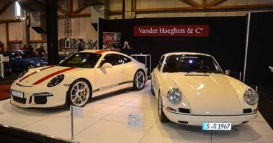 2016 Porsche 911R and 1967 Porsche 911R at the