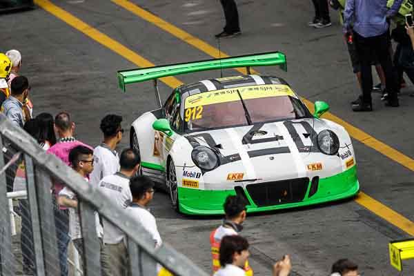 Porsche 911 GT3 R, Manthey Racing (#912): Michael Christensen, Richard Lietz, Frédéric Makowiecki