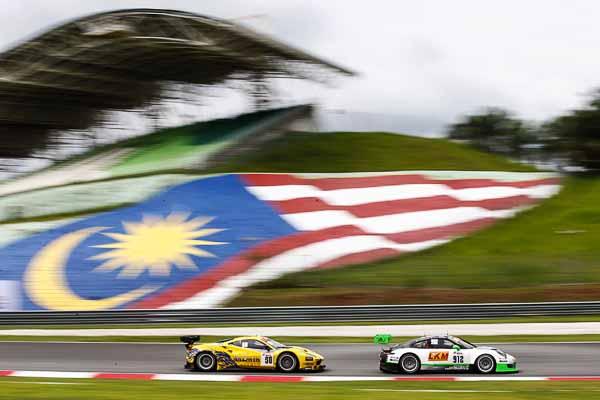 Porsche 911 GT3 R, Manthey Racing No 912: Frederic Makowiecki, Richard Lietz, Michael Christensen