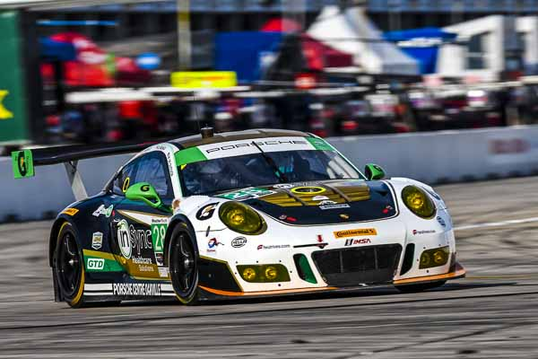 Porsche 911 GT3 R, Alegra Motorsports (28): Michael de Quesada, Daniel Morad, Spencer Pumpelly, Michael Christensen