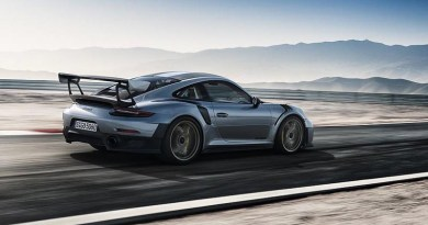 Unyielding. The new Porsche 911 GT2 RS.
