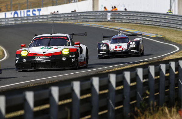 Porsche 911 RSR (91), Porsche GT Team: Richard Lietz, Patrick Pilet, Frederic Makowiecki 24H Le Mans 2017