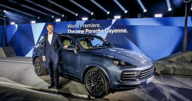 World premiere in Stuttgart-Zuffenhausen: Oliver Blume, Chairman of the Executive Board Dr. Ing. h.c. F. Porsche AG, presents the new Cayenne.