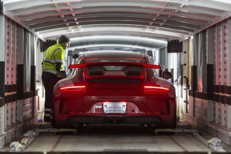 Porsche CO2 By connecting the loading port in Bremerhaven to Kornwestheim the proportion of vehicles transported by rail should increase by around 45 percent