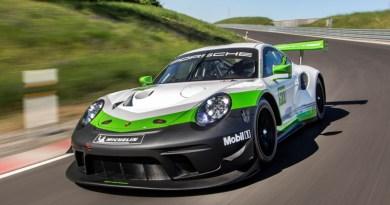 Strong, swift, spectacular: the new Porsche 911 GT3 R