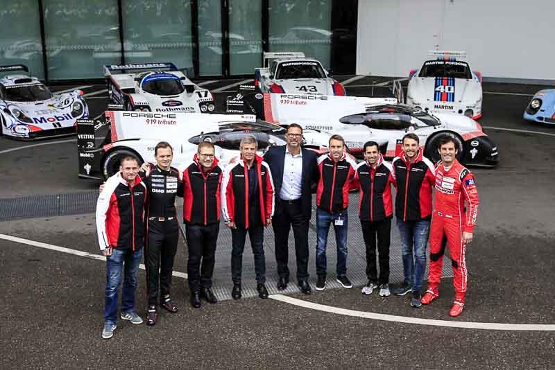 Final Drive Porsche 919 Hybrid: Nick Tandy, Marc Lieb, Andreas Seidl, Fritz Enzinger, Achim Stejskal, Timo Bernhard, Neel Jani, Earl Bamber, Mark Webber (l-r)