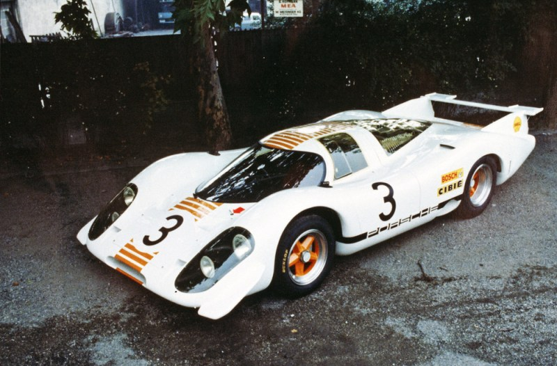 The 917-001 had a new look for its appearance at the International Motor Show in Frankfurt in 1969, for which the car was repainted in white and orange